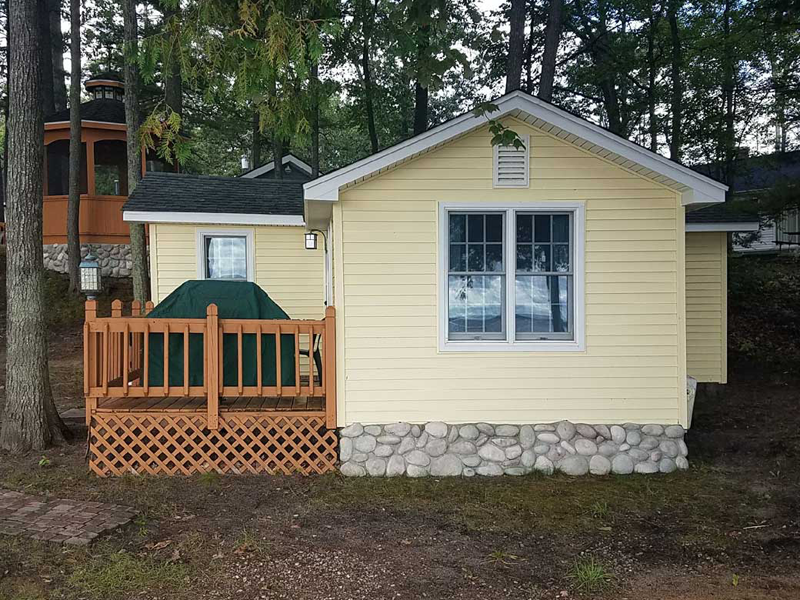 Higgins Lake Rental Cabin: Brass Bell